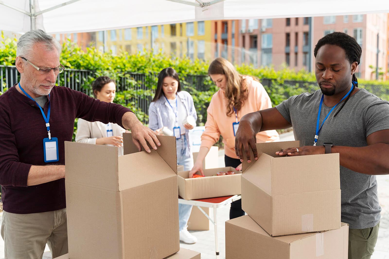 charity-foodbank-volunteer-group (2)